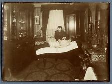 Séance de radiesthésie médicale à identifier  Vintage print.  Tirage citrate