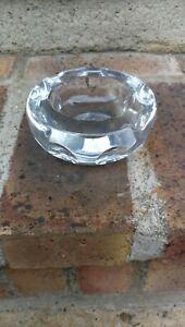 Cendrier en cristal Baccarat arrondi transparent épais