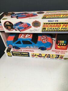 Vintage 1992 RICHARD PETTY #43 TALKING ELECTRONIC LARGE 1:16 STP NASCAR NEW