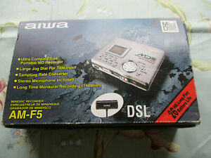 AIWA PORTABLE MINIDISC RECORDER WITH ORIGINAL STEREO MICROPHONE AAA BATERY PACK