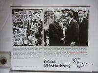 "Vintage Glossy Press Photo Le Duc Tho Henry Kissinger ""Vietnam: A TV History"""