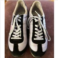 Puma tennis shoes lavender with black. Size 8.5