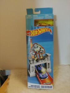 Mattel Hot Wheels Action ROBO WRECKER Car Track Set