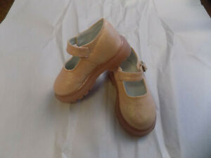 New The Childrens Place Pale Easter Pink Spakle Toddler Mary Janes Sz 5 SWEET!