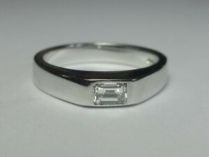 18CT WHITE GOLD 0.24CT F/G VS EMERALD CUT DIAMOND SOLITAIRE RING 5.0G