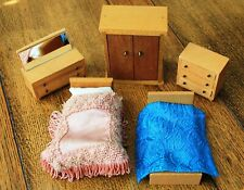 Vintage Wooden Dolls' House Bedroom Furniture 1/16th Scale Dol Toi? Barton?