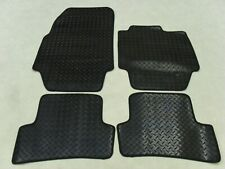 Renault Captur 2013-on Fully Tailored Deluxe RUBBER Car Mats in Black