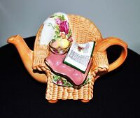 """ROYAL ALBERT  CARDEW OLD COUNTRY ROSES """"WICKER CHAIR"""" TEAPOT"""