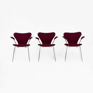 Set of Three 1976 Arne Jacobsen Fritz Hansen Series 7 Danish Dining Arm Chairs