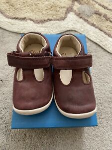 Clarks 3.5g Roamer Go Infant Shoes Burgundy Leather