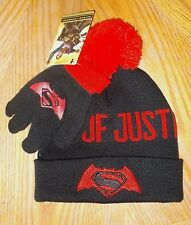 Boys One Size DC Comics Batman Vs. Super-Man 2-Piece Beanie Hat & Gloves Set NWT