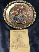 """Fenton  AMETHYST CARNIVAL GLASS """"CHRISTMAS IN AMERICA 1973"""" PLATE & Booklet"""