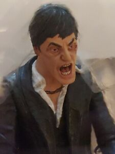 "SCARFACE ""THE FALL"" 6"" FIGURE W/MACHINE GUN & CLIP- LIFE-LIKE ICON TONY MONTANA"