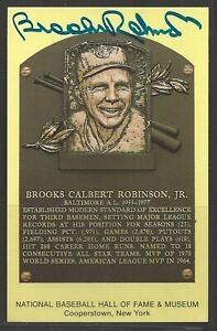 Brooks Robinson Autograph on HOF Plaque