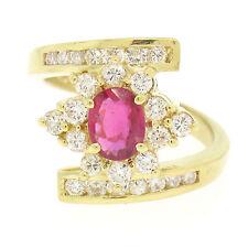 18ct Oro Amarillo 1.90ctw Ovalado Rojo Sangre RUBÍ Y FINO Diamante Ancho