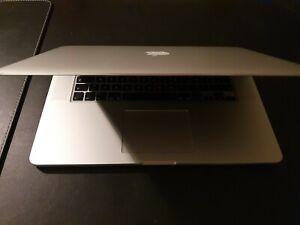Apple MacBook Pro 15,4 Zoll (256GB SSD, Intel Core i7 4. Gen., 2,20GHz, 16GB)