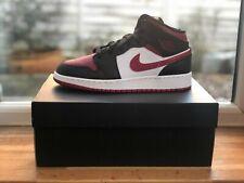 Nike Air Jordan 1 Mid GS 'Bred' (Black / Red) - Size 5.5 UK / 6 Y