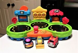 Fisher Price Lil' Zoomers Chase and Race Town with 3 Cars