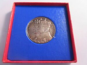1935 KING GEORGE V & QUEEN MARY SILVER JUBILEE SILVER MEDAL RAINBOW TONE BOXED