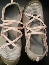 J-41 Genesis Vegan Jeep Womans Water Shoes Gray & Pink Strappy 9 M