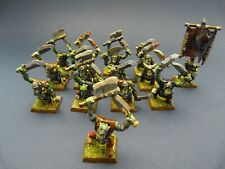 GAME WORKSHOP - WARHAMMER - Lot de 14 guerriers orcs peints