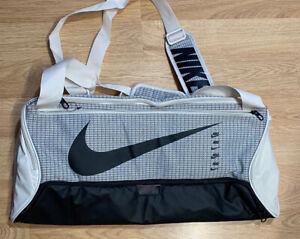 RARE!! Nike Brasilia 9.0 CU1029-104 Duffle Bag Beige Gray Black BRAND NEW