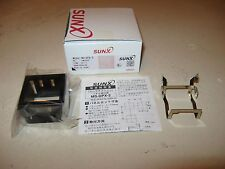 SUNX Pressure Sensor 7D3Z,  DP-2-20Z, With Mounting Bracket MS-DPX-2, New in Box