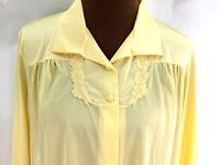 Vintage Vanity Fair Robe Button Front Soft Yellow Sz 38 Nylon Appliqué Accents