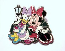 Minnie Mouse Single Pins/Buttons/Patche Disneyana