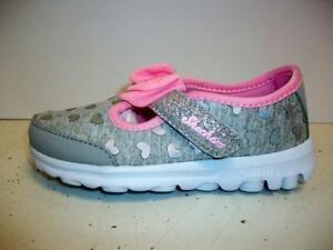 Girls Skechers Go Walk Bitty Hearts Toddler Size 8 M