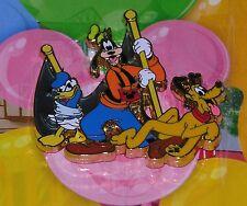Disney Donald Goofy Parade Trading Pin New on Card