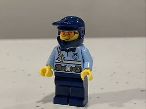 Lego City Police Officer minifigure with Dirt Bike Helmet (cty1243) BRAND NEW