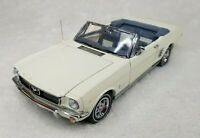Danbury Mint The 1966 Ford Mustang Convertible 1:24 Die Cast Model Car White