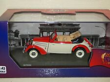 IST Models IFA F8 Cabrio 1953 red and white REF: IST054