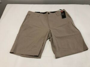 NWT $70.00 Under Armour Mens Golf Showdown Vented Shorts Tan Size 40