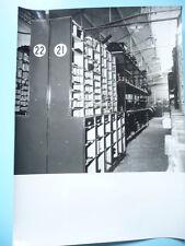 PHOTO ANNÉES 1950 RENAULT DANS LE MONDE MAGASIN PIÈCES DE RECHANGE