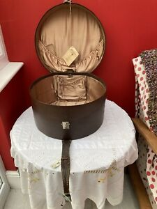 Vintage ANTLER 1930s Large Brown Faux Leather HAT BOX / Vanity Case - With Key