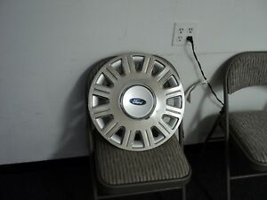 ONE USED hubcap WHEEL COVER CROME 16 INH Factory 2003-2008 FORD CROWN VICTORIA