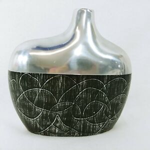 """Art Vase Modern Styling Brushed Texture Made in India Vintage Home Decor 8.5"""""""