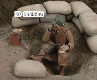 1:35 Resin 1 US Soldier in Communication (NO SANDBAG) wwii Unpainted Unassembled