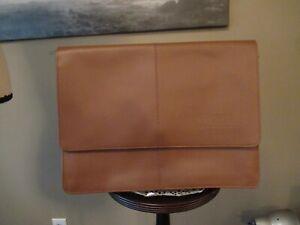 Leather DOCUMENT/PORTFOLIO in Camel - NWOT