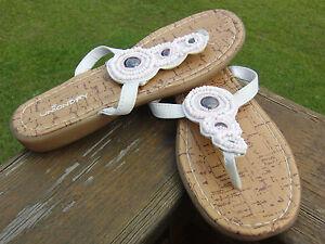 Unionbay White Flip Flops Slip on Slides Sandals Shoes Women 4 fits 6.5