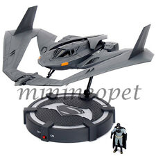 JADA 98325 BATMAN V SUPERMAN BATWING with FIGURE AND LIGHT UP DISPLAY STAND 1/32
