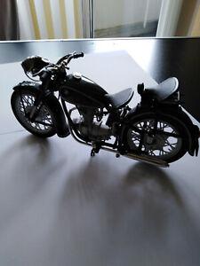 Motorradmodell 1:10 BMW R 25/3  Beschreibung unten