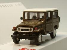 Busch Toyota Land Cruiser Geländewagen J4, braun - 43035 - 1:87