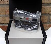 "LEICA 10771 - Leica M (240) Body silber ""100 Year LEICA Photography"" - OVP!"