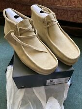 Clarks originals Wallabee Boots Size 9, Maple Suede, European 43, New With Box