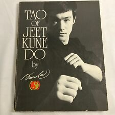Tao of Jeet Kune Do by Bruce Lee (English) Paperback 1984 Printing LCCN 75-24803