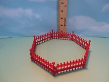 Playmobil structure SET OF SEVEN IDENTICAL RED INTERLOCKING FENCE PIECES
