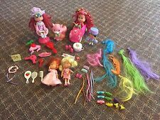 LOT OF STRAWBERRY SHORTCAKE AMERICAN GREETINGS CAR DOLLS AND ACCESSORIES